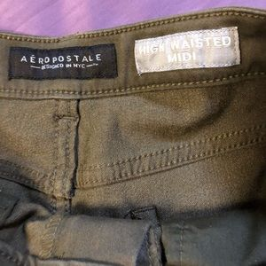 Aéropostale army green short shorts